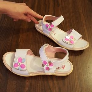 Naturino Girls White Sandals Shoes 35 Sz 3 to 4
